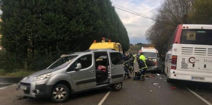 Accidente de tráfico en Villamayor - Piloña