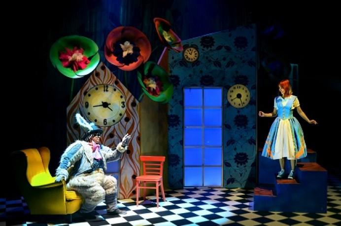 Alicia, el musical de las maravillas y El Circo de Navidad,  en el Teatro de la Laboral