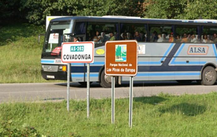 El plan especial de transporte a los lagos de Covadonga se activa mañana y estará vigente hasta el 8 de abril