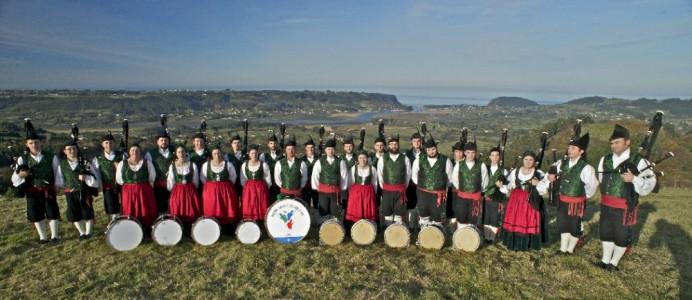 Iniciativa pol Asturianu felicita a la Banda de Gaites Villaviciosa – El Gaitero pol usu del asturianu dientro del Festival Internacional de Gaites de Villaviciosa