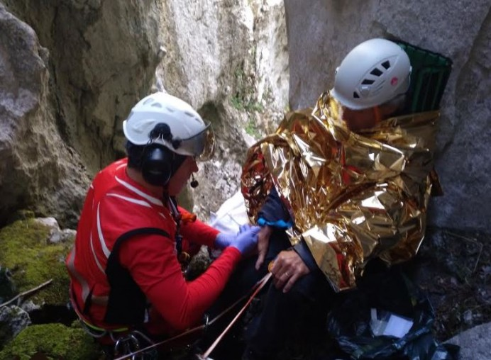 Rescate de montaña en un cañón entre Urriellu y Camburero, en Cabrales