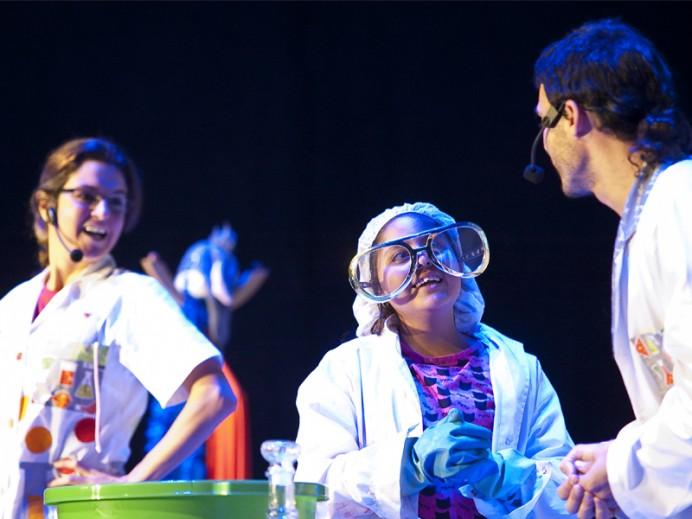 Ciencia con humor este sábado en el MUJA y el Centro Tito Bustillo