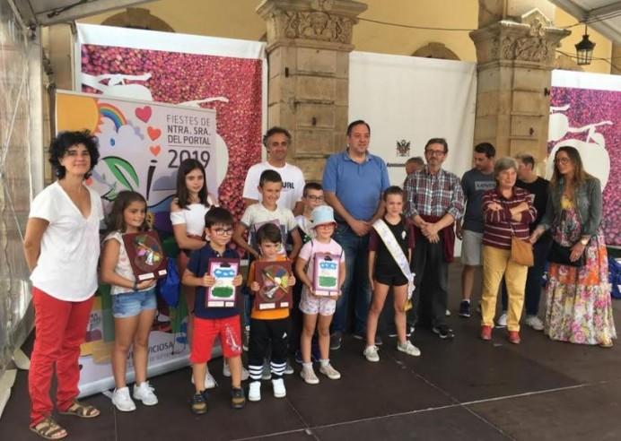 122 participantes en el concurso de pintura infantil