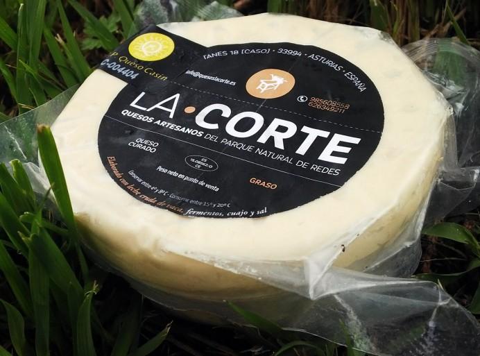 El excelente quesu Casín de la Quesería La Corte (Caso)