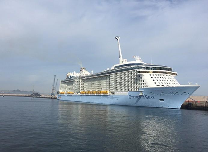 Menos cruceros y más turismo de calidad