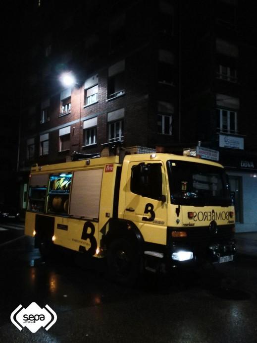 Catorce  personas afectadas  en un incendio en La Felguera