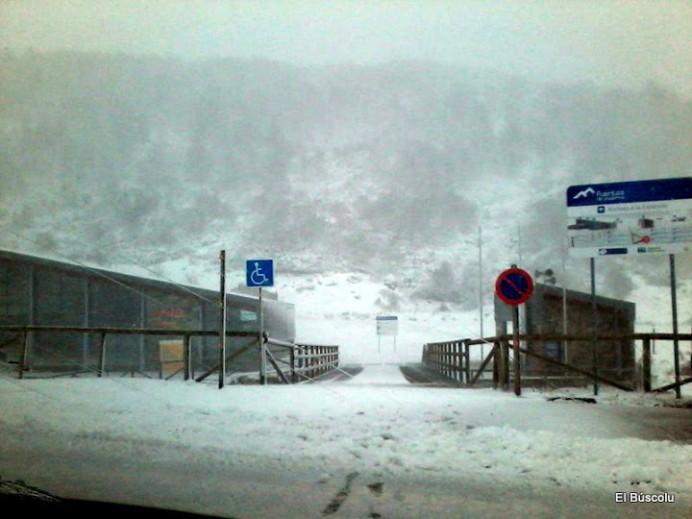 Fuentes de Invierno se prepara para abrir mañana sábado, 16 de enero, la temporada de esquí en la estación allerana.