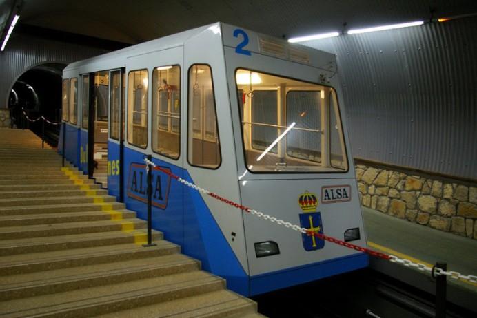 El servicio del funicular de Bulnes se suspenderá los días 12, 13 y 14 de diciembre por los trabajos de inspección integral