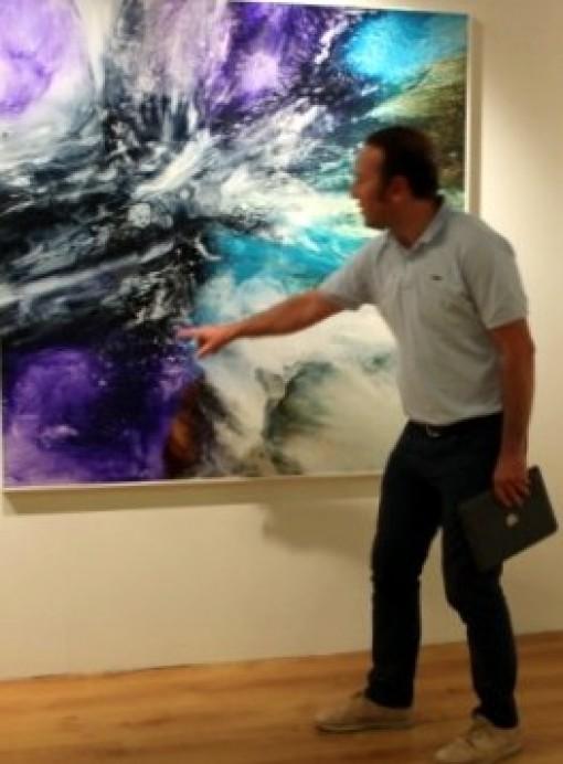 La obra La gruta del agua, del artista asturiano Guillermo Simón, protagoniza el nuevo número del cuaderno cultural Prímula