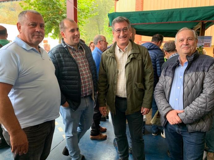 Ignacio Prendes, asistió este domingo al XL Certamen del Queso Gamoneu