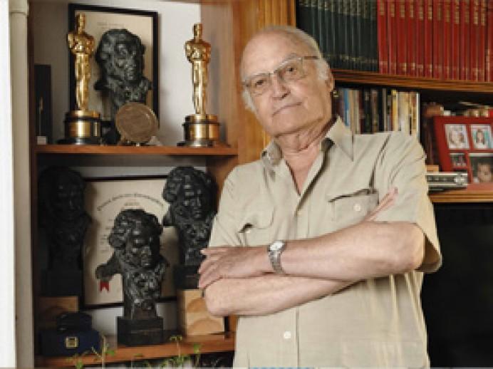 Laboral Cinemateca homenajea en marzo al director artístico asturiano Gil Parrondo con la exposición La magia de lo efímero
