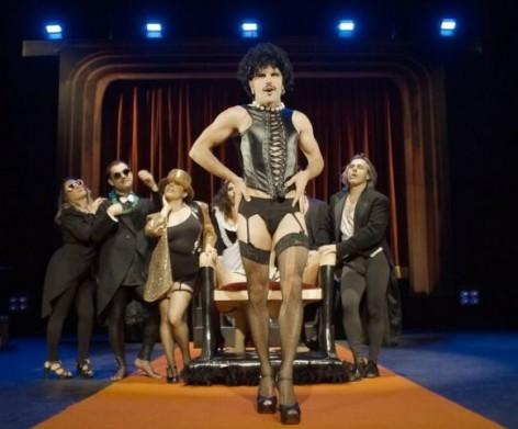 Stage Movie y Rodrigo Cuevas representan Horror. El show que nunca se debió  hacer en 95a97301abf9