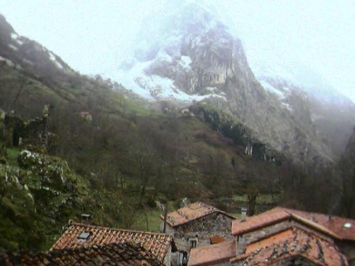 Llega la nieve al oriente de Asturias