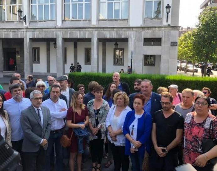 IU pide el fin de la campaña de acoso a sus cargos públicos y exige medidas contra la sangría de filtraciones