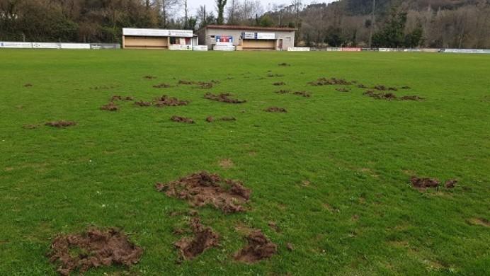 Santianes ¿Campo de Fútbol o caleya?
