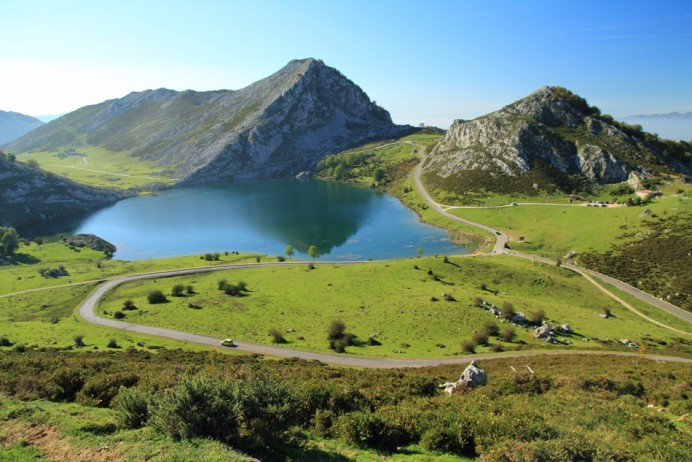 El plan especial de transporte público a los lagos de Covadonga funcionará mañana de 17:00 a 21:00 horas