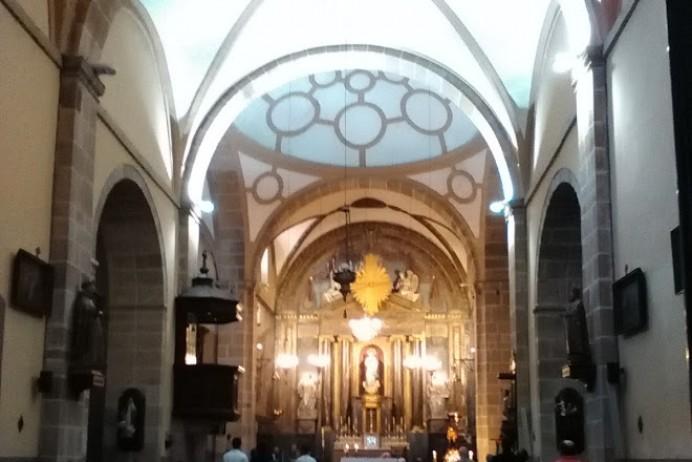 Mercadillo solidario para recaudación de fondos para obras Iglesia de Lastres
