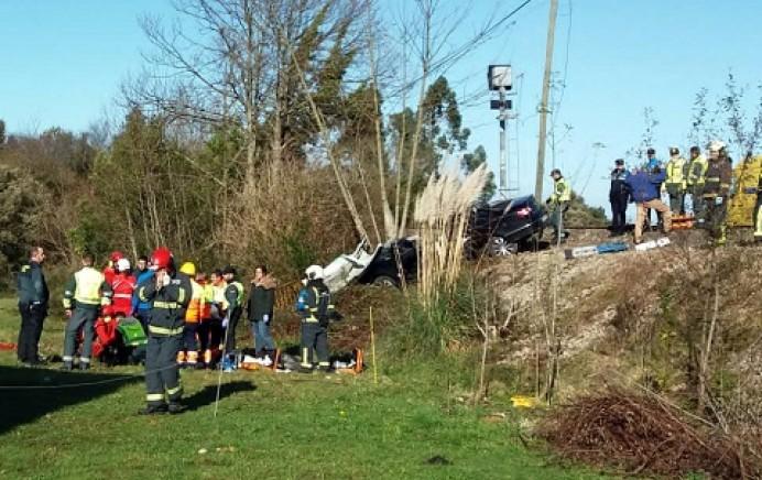 Accidente ferroviario con heridos atrapados en Llanes