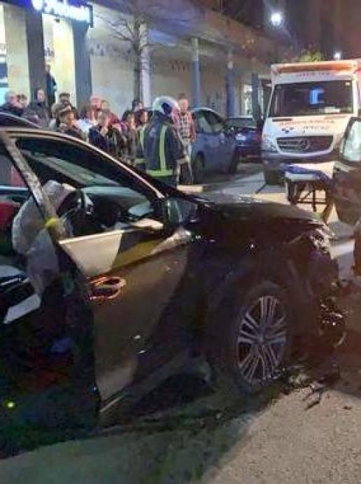 Dos personas heridas en un accidente de tráfico en Langreo