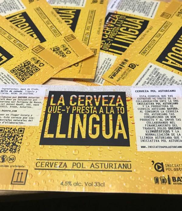 Iniciativa pol Asturianu saca al mercado la Cerveza pol asturianu, la cerveza que-y presta a la to llingua