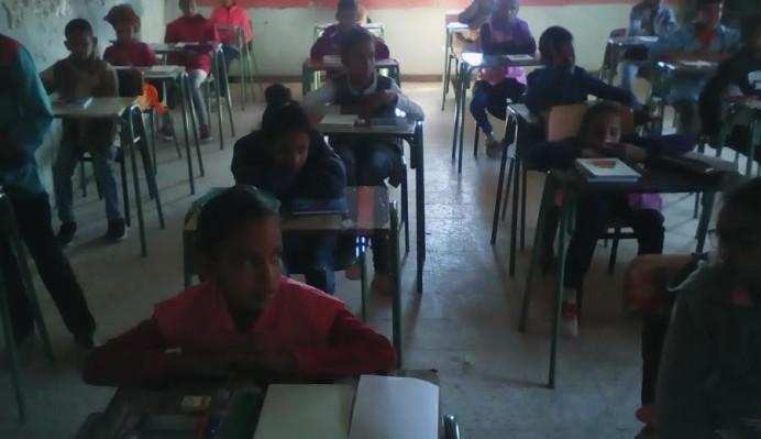 Los niños y las niñas del Sahara reciben el material enviado desde Villaviciosa