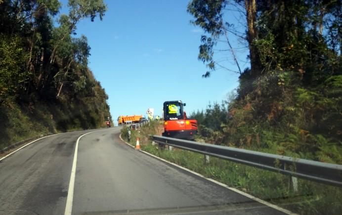 Comienzan las obras de reparación del argayu de la carretera Colunga-Lastres