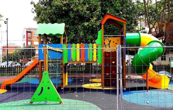 Renovación Parque infantil Posada Herrera, Llanes