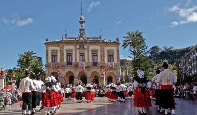 La danza volverá a la plaza del Ayuntamiento el sábado 12 de Octubre en el festival de la manzana