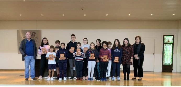 Presentación del libro de cuentos y murales en Ribadesella
