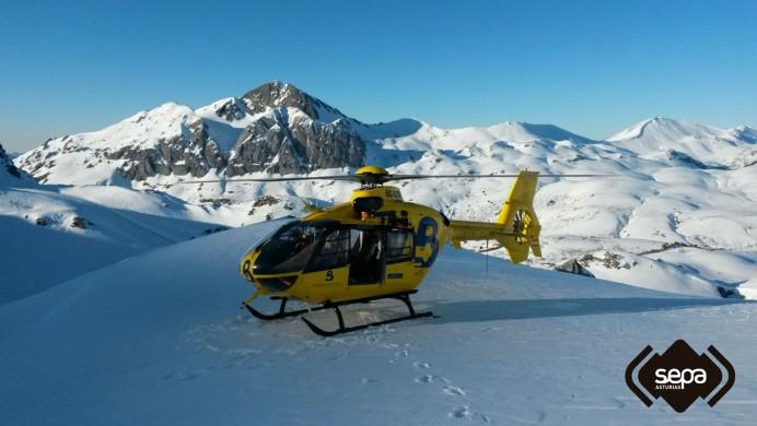 Un varón ha resultado herido mientras practicaba esquí en la zona del Tubo de Toneo en Fuentes de Invierno, en Aller.