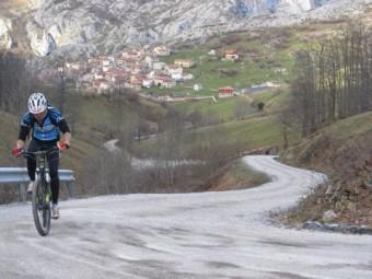 Sotres y la ermita del Alba, los finales inéditos asturianos de la Vuelta a España 2015