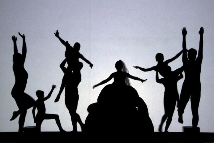 Teatro de Sombras en el Centro Tito Bustillo y la Cuevona de Ardines
