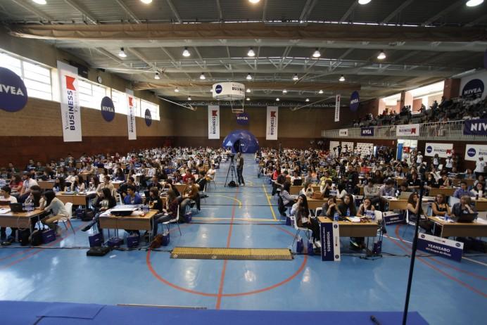 Más de 150 estudiantes de Asturias participan en un programa educativo para dirigir su propia empresa en Internet