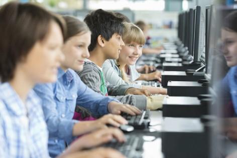 ¿Están seguros nuestros hijos cuando navegan por internet?